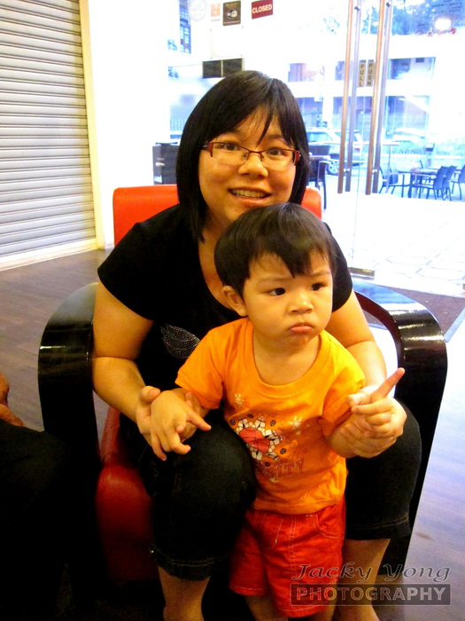 Hui Yan and mommy ISO 3200